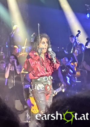 Rock Meets Classic - ALICE COOPER, CHEAP TRICK, MANFRED MANNS EARTH BAND, MOTHERS FINEST, THUNDER